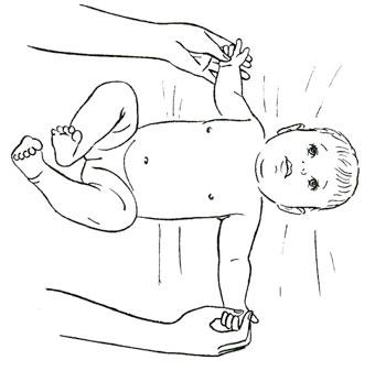 Как развивать младенца пять игр