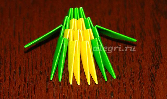 Пятый ряд: 1 зеленый модуль